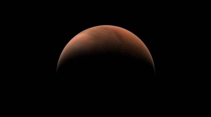 Çin'in keşif aracı, Mars'ın iki yarım küresinden fotoğraf gönderdi