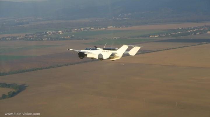 Uçan araba ilk test sürüşünü yaptı