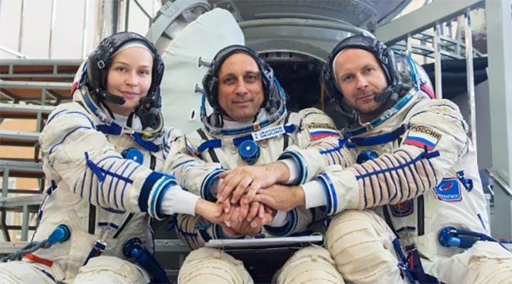 Uzayda ilk film çekimi için Rus ekip yola çıkıyor